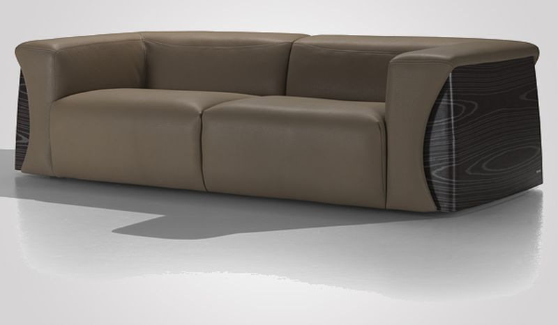 2013 mercedes benz furniture collection exudes opulence for Mercedes benz furniture
