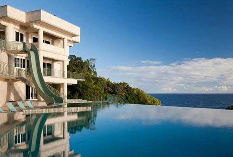 40m Mansion In Hawaii Built Along The Edge Of A Cliff