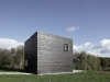 a-minimalist-monolithic-house-4
