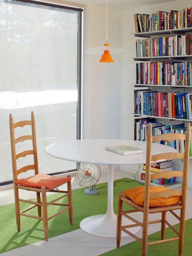 A modern backyard home office by ASUL studio - Home Crux