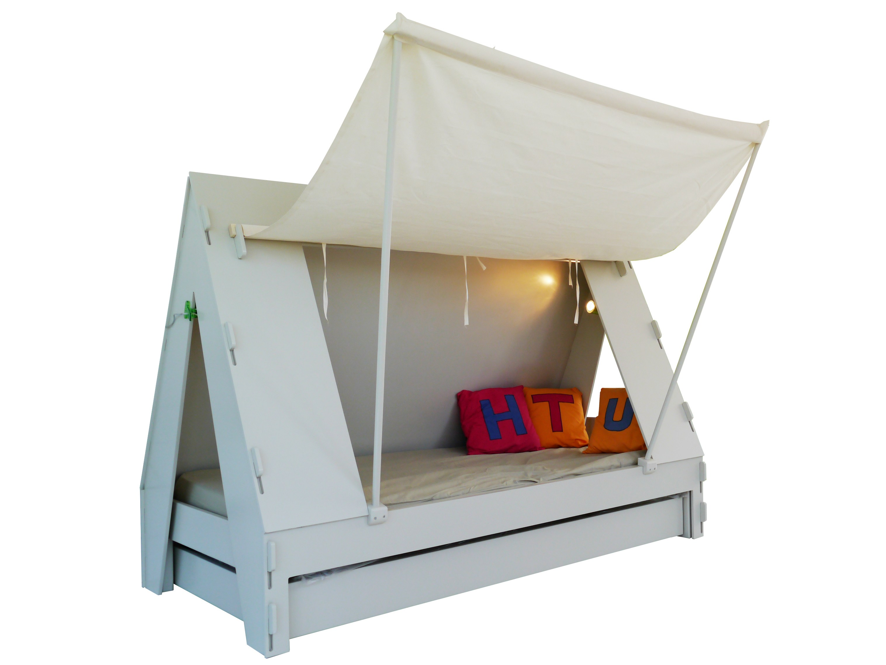 turn your kids room into camping site with bed tente by. Black Bedroom Furniture Sets. Home Design Ideas