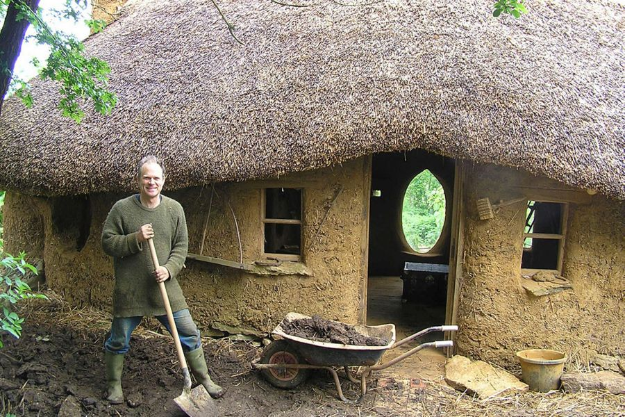 Cob house built for 250 from mud straw and clay no for Costruire un cottage