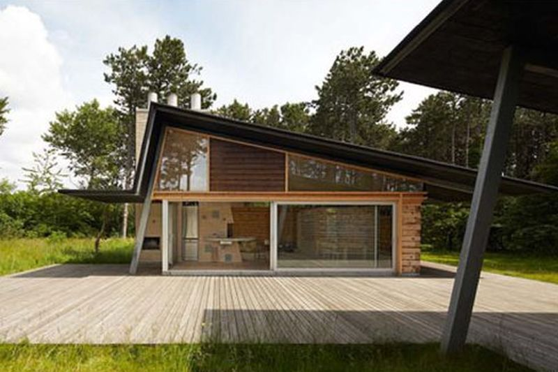 Hald Strand Summer House With An Imposing Chimney Home Crux