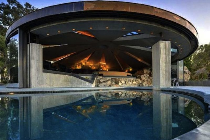 The Ufo House In Palm Springs 4
