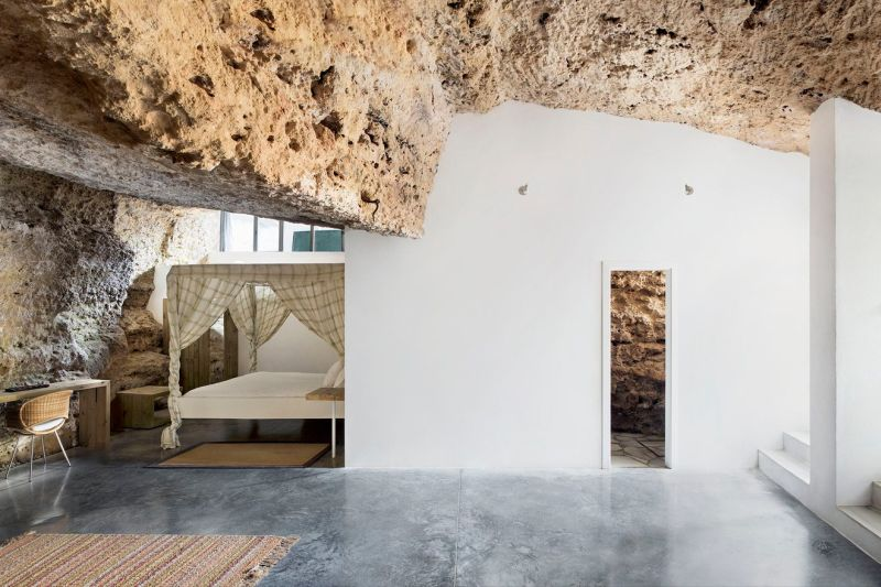 Cave House by UMMO Estudio