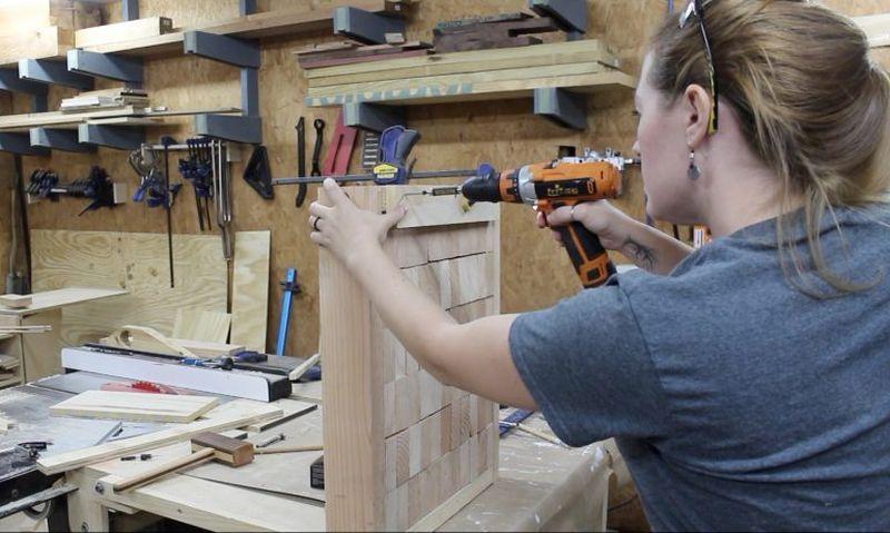 DIY end grain knife throwing target