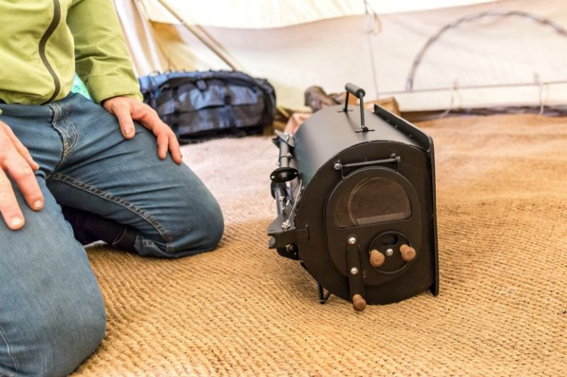 & Anevay Frontier Plus wood-burning stove for avid campers