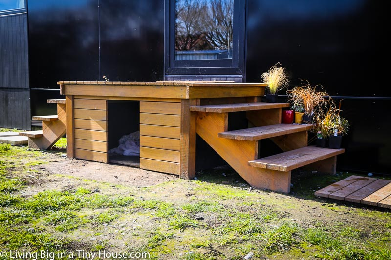 Earthquake resistance house by Paul Hennessy