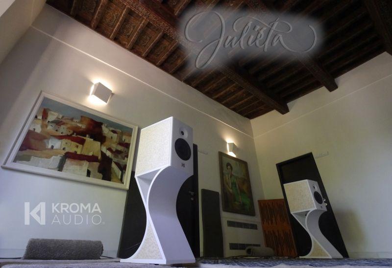 Gold-plated Julieta loudspeaker by Kroma Audio