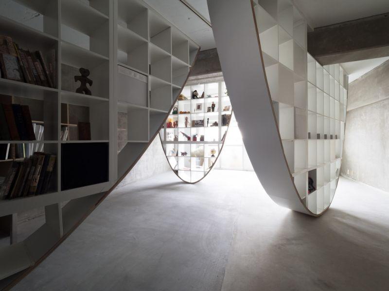 Parabolic shelves by Takayoshi Kitagawa