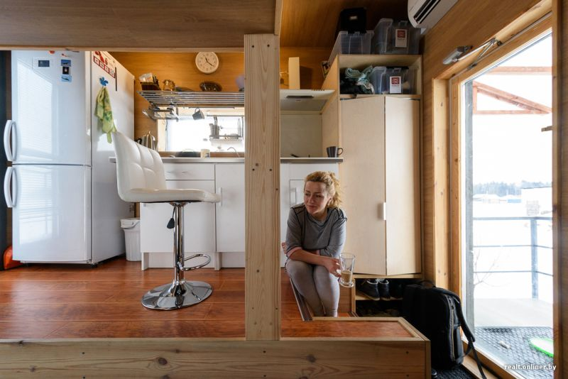 This 16-square-meter tiny house stays cozy with insulated exteriors