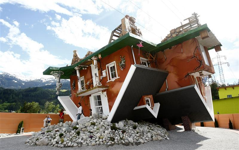 The Upside Down House dizzying upside down houses from around the world - homecrux