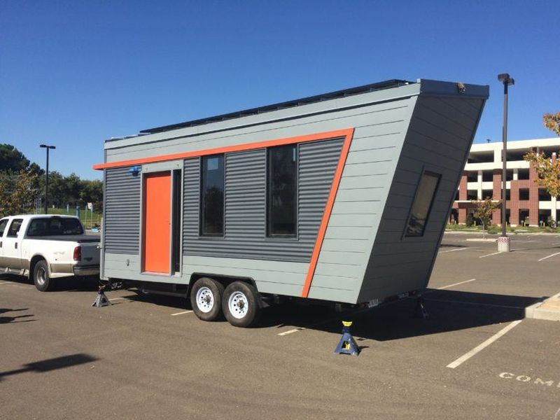 Wedge off grid tiny house on wheels leaves no traces behind for Leaf house tiny house