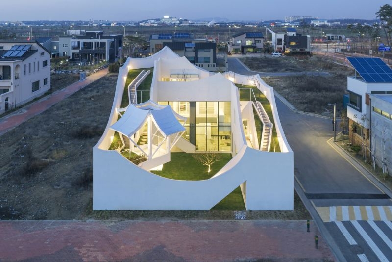 Flying House By Iroje Khm Architects Is Inspired By Flight
