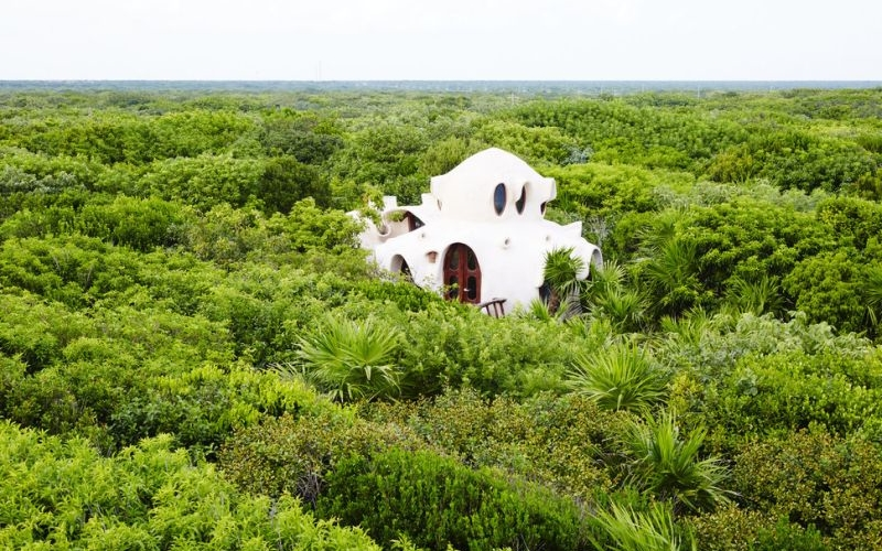Mexico's two-story treehouse lets you enjoy outdoors in full luxury