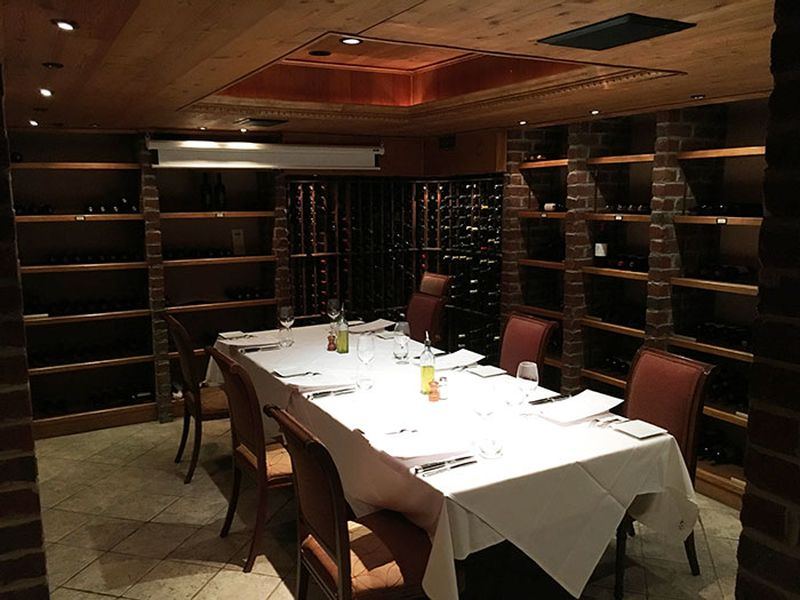 Bonterra dining and wine room