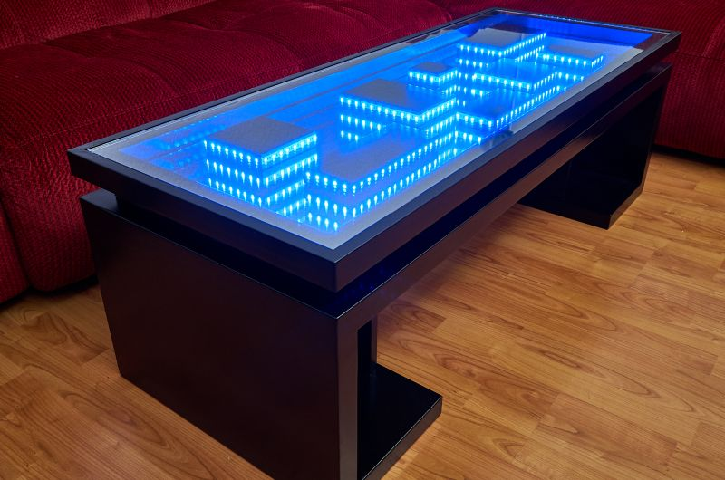 You 39 Ll Fall For This Homemade Cityscape Coffee Table