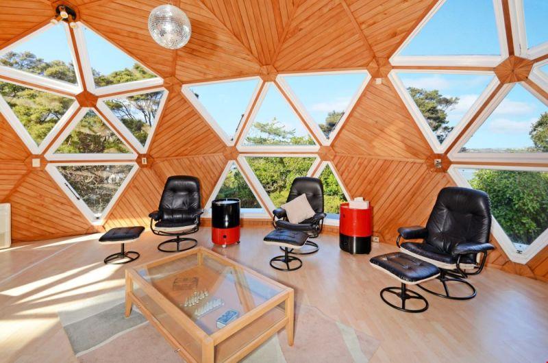 Dome house by Noel Fuller & Helen McCabe