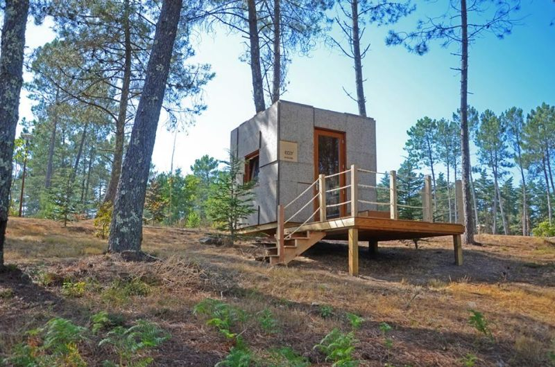 Ecocubo is prefab outdoor cabin made of cork