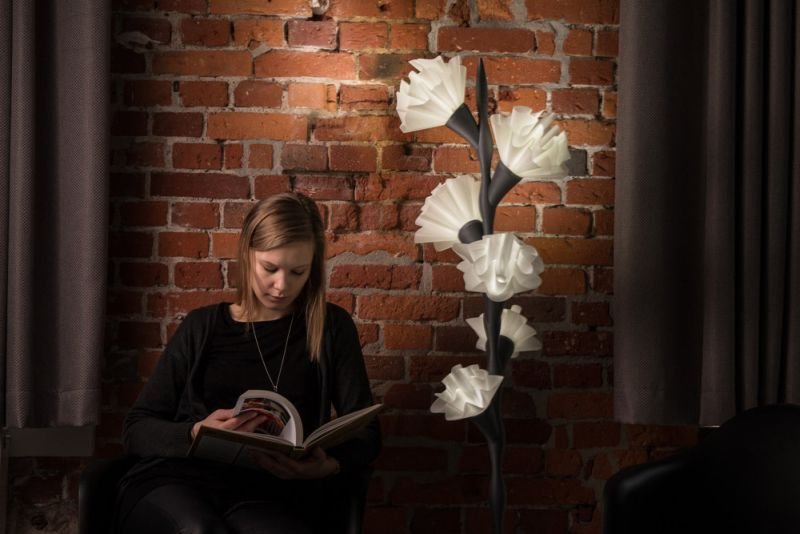 Paula Szarejko creates 3D printed flower lamp