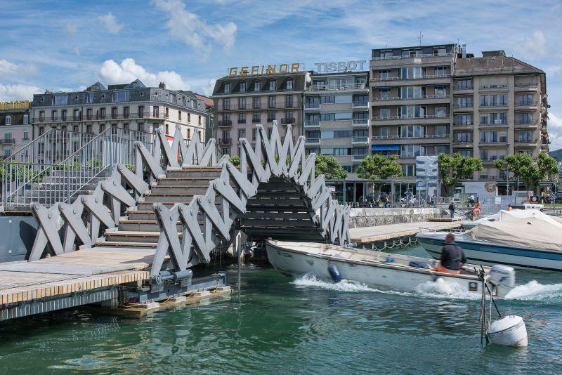 Geneva scissored bridge