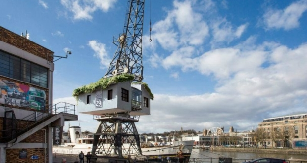 Stay the night in the world's first treehouse on a crane in Bristol_1