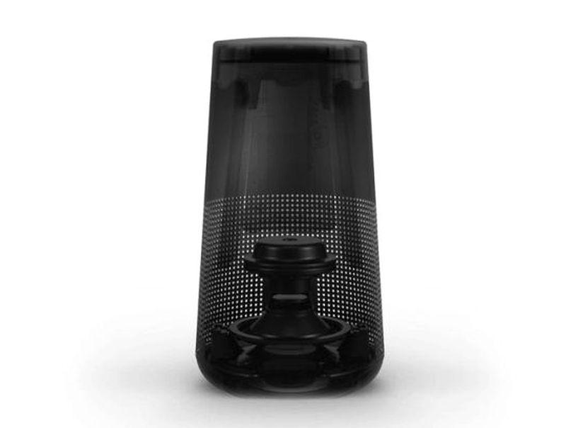 bose soundlink revolve speakers produce remarkable 360 degree sound. Black Bedroom Furniture Sets. Home Design Ideas