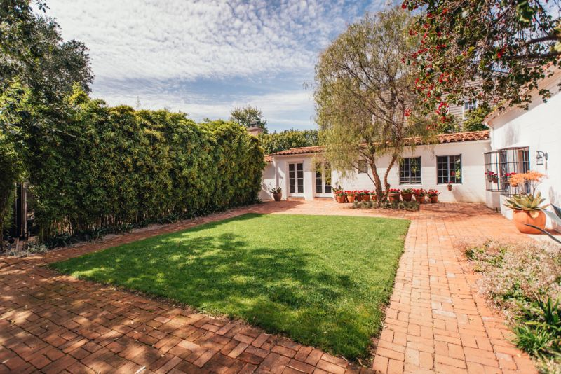 Marilyn Monroe S Brentwood Home Is On Sale For 6 9 Million
