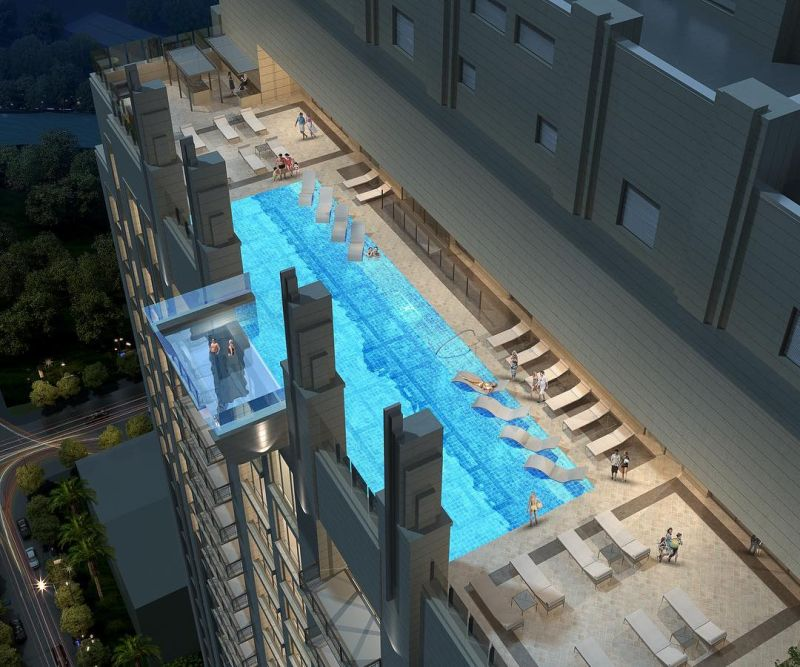 Market square tower s glass sky pool floats 500 ft above for Average square footage of a swimming pool