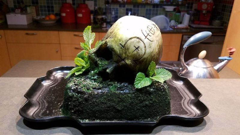 The Skull Cake looks horrible but its sweet and edible