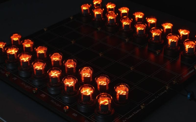 Nixie Chess Set adds glowing effect to your strategy battle