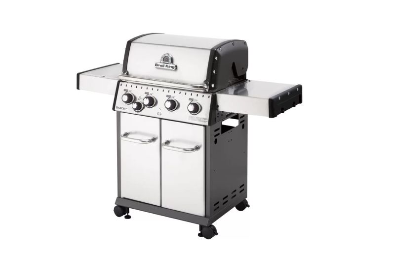 Broil King Baron 440 outdoor gas grill