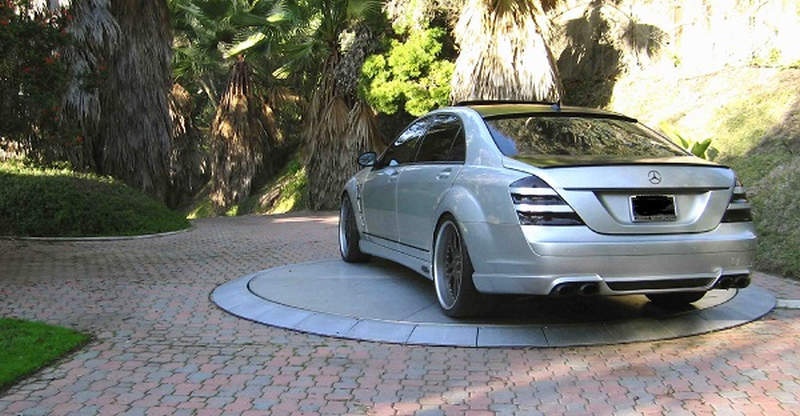 Car turntable is high-end parking solution for cramped spaces
