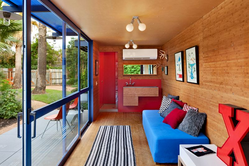 Container Guest House interior Poteet Architects