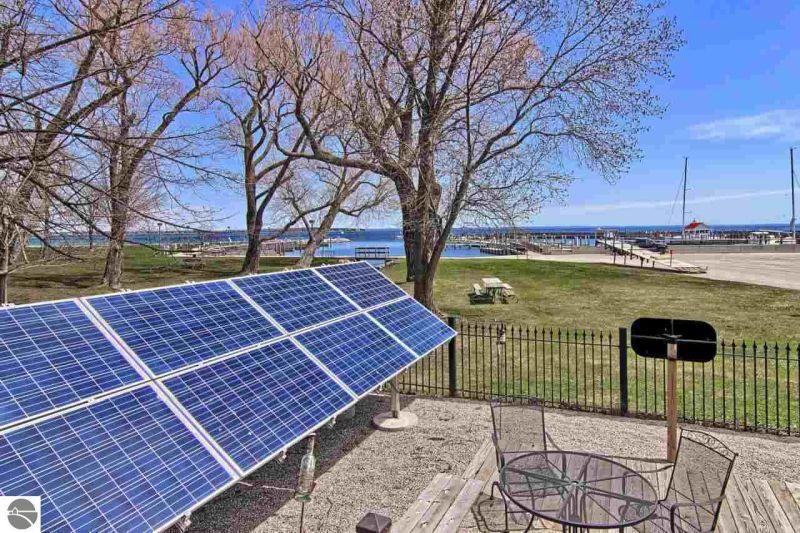 Detroit's solar-powered train car home