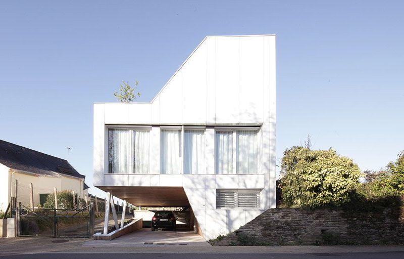 Flying Box House – France