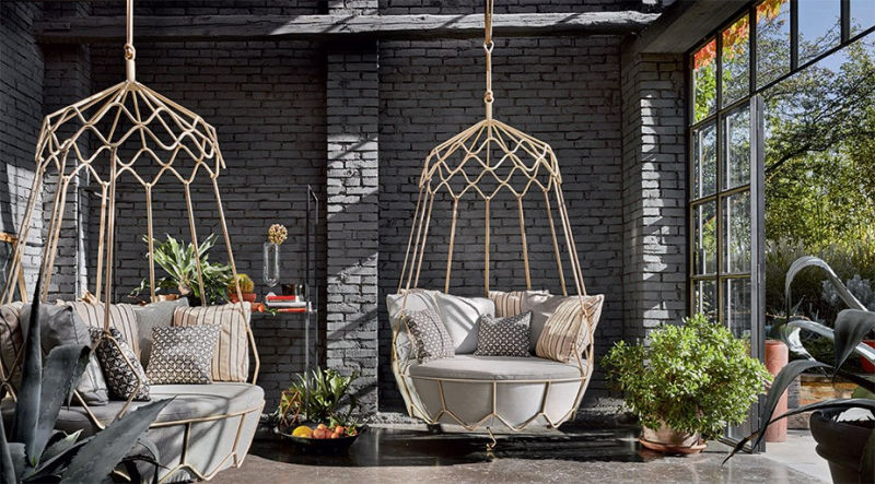Gravity swing sofa by Technical Emotions ( Roberti Rattan srl)