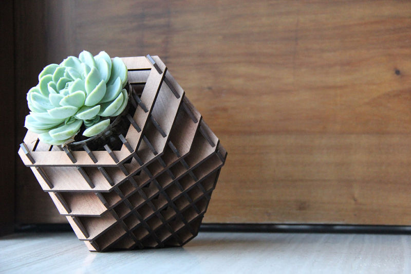 H-02 planter with seven positions by Hexagón Design