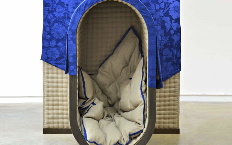 Marguerite nap pod with horse hair upholstery