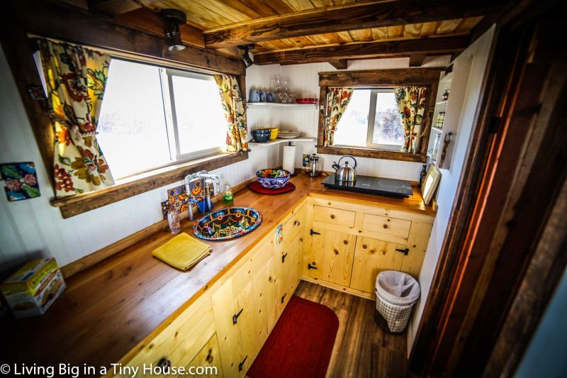 Peacock-Tiny-House-by-Old-HIppie-Design