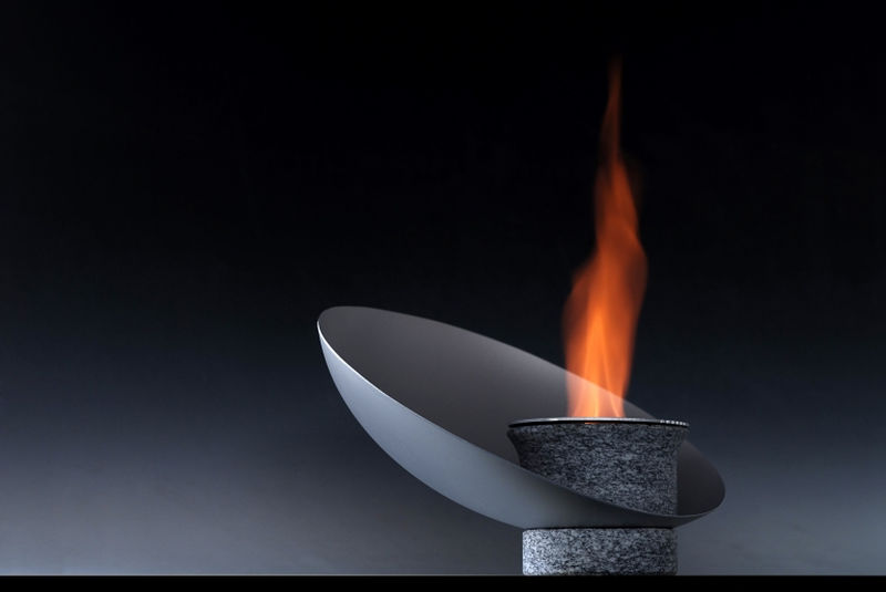 Piro Bioethanol fireplace by Vito Noto Industrial Design