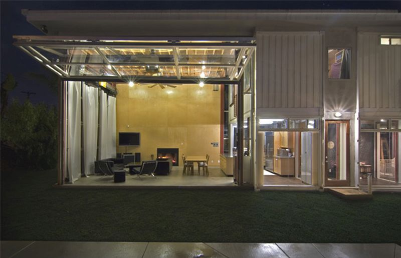 Redondo Beach House by DeMaria Design Associates
