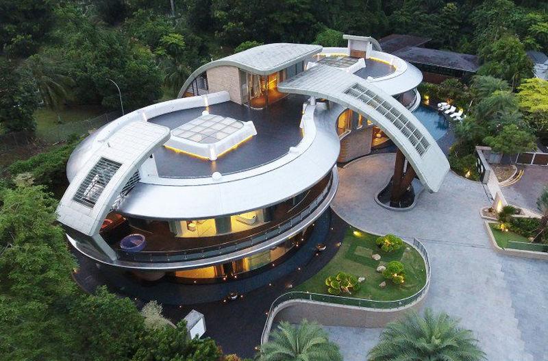 Villa Otto luxurious residential villa by Massimo Mercurio