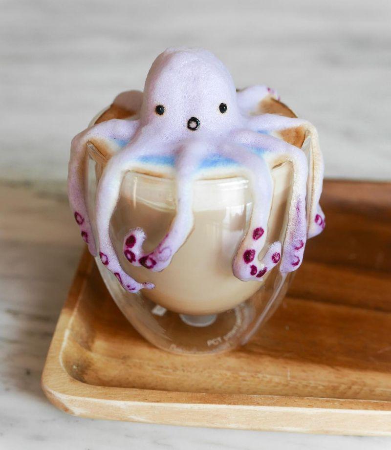 3D octopus latte art