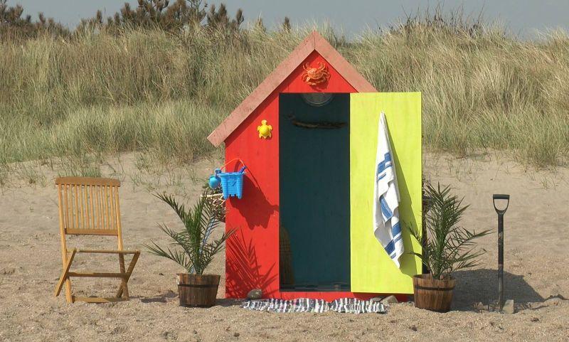 Crazy Colin's weekend getaway idea – Underground Beach Hut