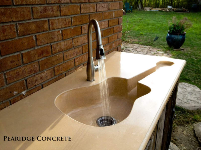 Guitar shaped sink