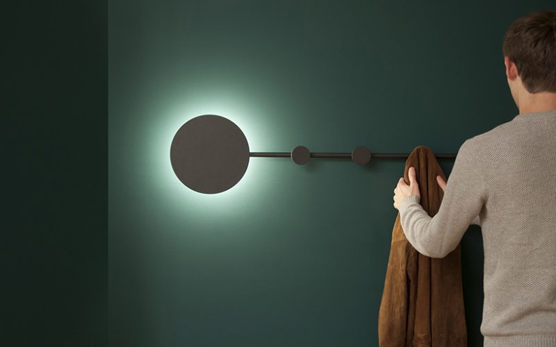 HAN coat hanger doubles as LED lamp