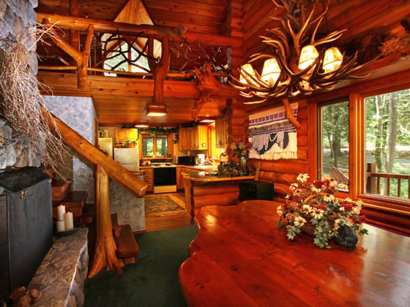 Lake charlevoix hobbit house is now listed at million for Hobbit house furniture