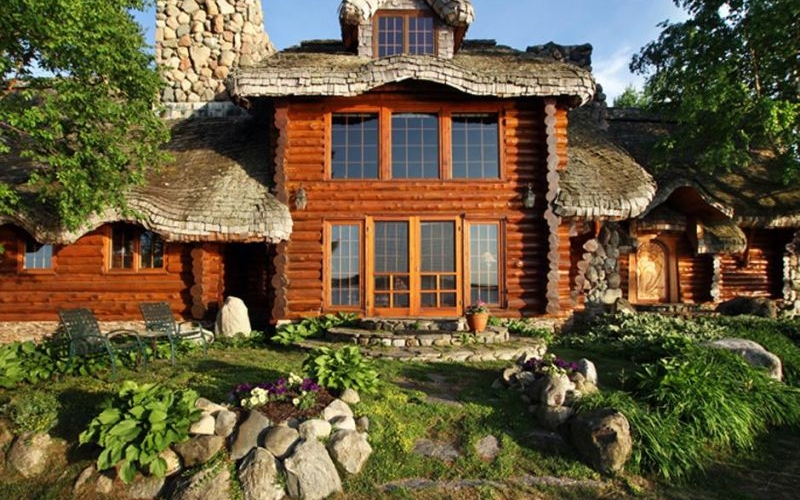 Lake Charlevoix Hobbit House is now listed at $1.99 million
