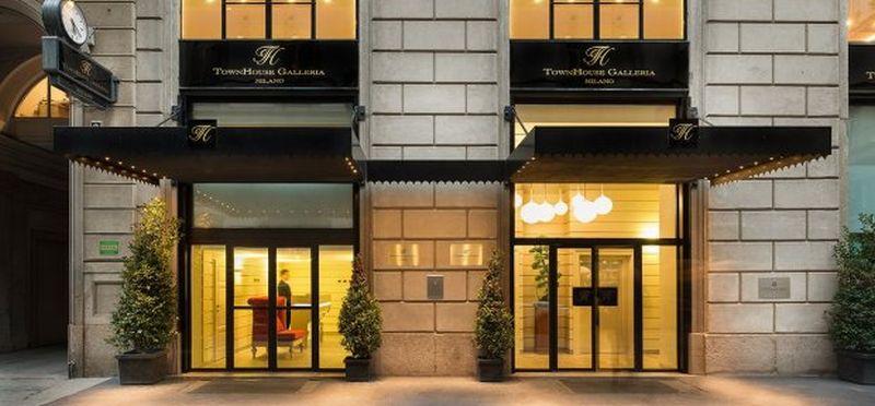 TownHouse Galleria Hotel 24 Karat Gold Bed Sheet